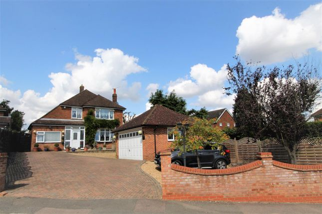 Thumbnail Detached house for sale in Crofts Path, Leverstock Green, Hemel Hempstead