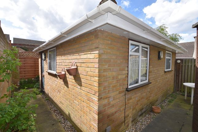 Thumbnail Bungalow for sale in Carew Road, Wallington