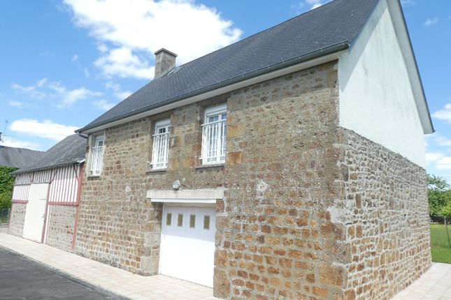 Detached house for sale in Le Teilleul, Basse-Normandie, 50640, France