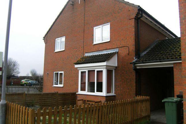 Thumbnail Terraced house to rent in Iris Close, Aylesbury, Buckinghamshire