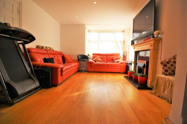 Thumbnail Terraced house for sale in South Park Crescent, Catford