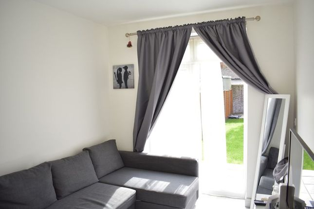 Thumbnail Flat to rent in Meads Road, London