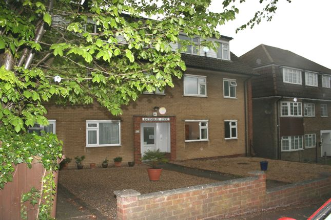 Thumbnail Flat for sale in Ringstead Road, Sutton