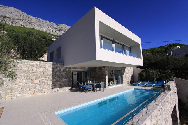 3 bed villa for sale in 6333-1, Lokva Rogoznica, Croatia