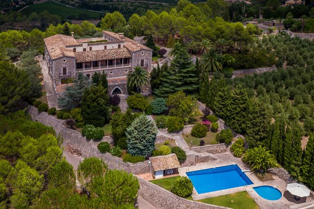 10 bed villa for sale in Puigpunyent Countryside, Mallorca, Balearic Islands
