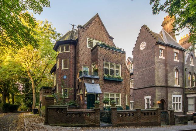Thumbnail Property for sale in Branch Hill, Hampstead
