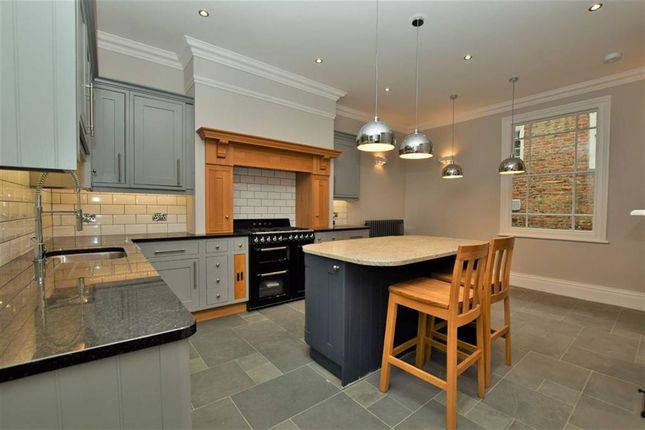 Thumbnail Property for sale in Westgate, Louth