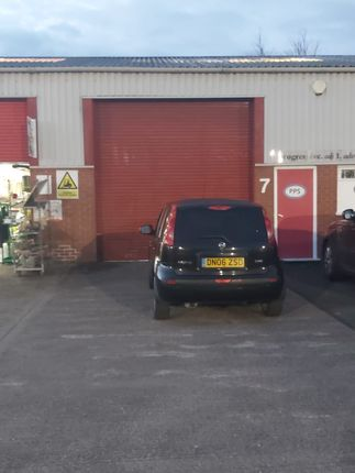 Warehouse to let in Barracks Road, Stourport On Severn