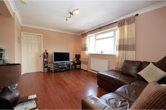Thumbnail Flat for sale in Rayleigh Road, Brentwood