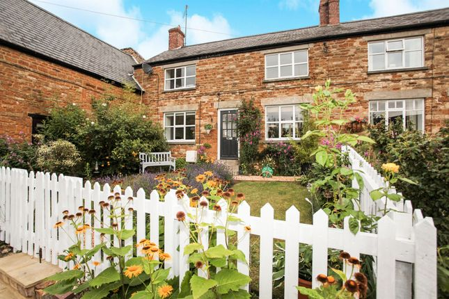 Thumbnail Cottage for sale in Corby Road, Cottingham, Market Harborough