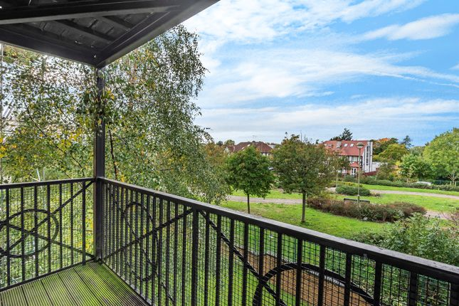 2 bed flat for sale in Briar Close, London N2