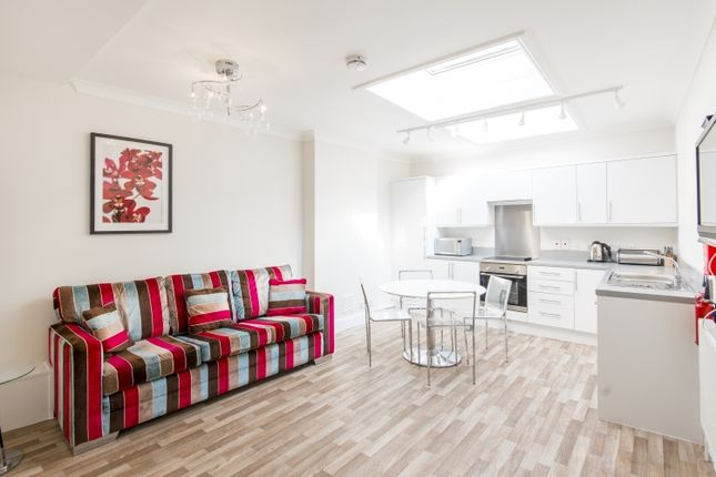 4 bed flat to rent in Banbury Road, Oxford