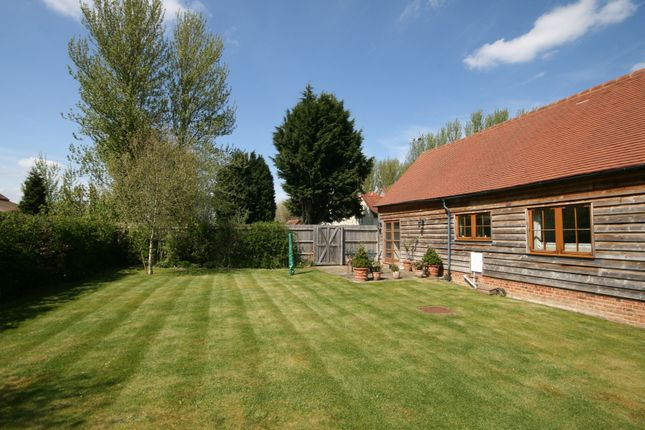 Thumbnail Barn conversion to rent in Thame Road, Longwick, Princes Risborough