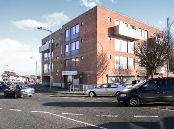 3 bed flat to rent in Longstone Street, Lisburn BT28