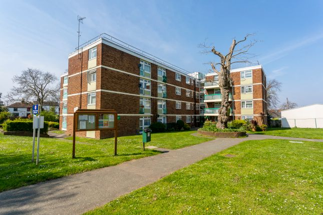Thumbnail Flat for sale in Alcester Court, Alcester Road, Wallington, Surrey