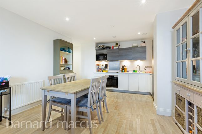 3 bed flat for sale in Blagdon Road, New Malden KT3