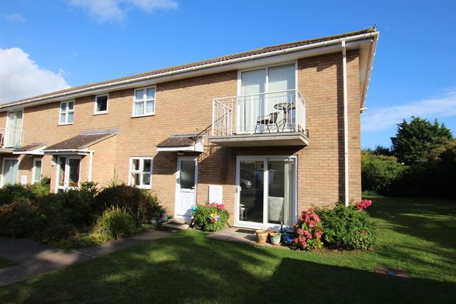 Thumbnail Flat to rent in Frinton Road, Holland-On-Sea, Clacton-On-Sea