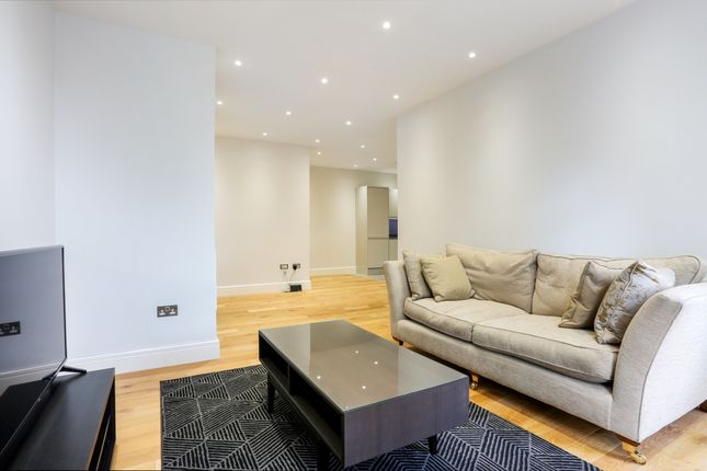 Thumbnail Flat to rent in Clewer Hill Road Berkshire, Windsor