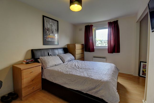 Bedroom of Main Street, Invergowrie, Dundee DD2