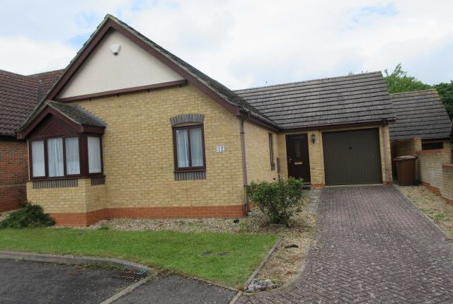 3 bed bungalow to rent in Corvus Close, Royston SG8