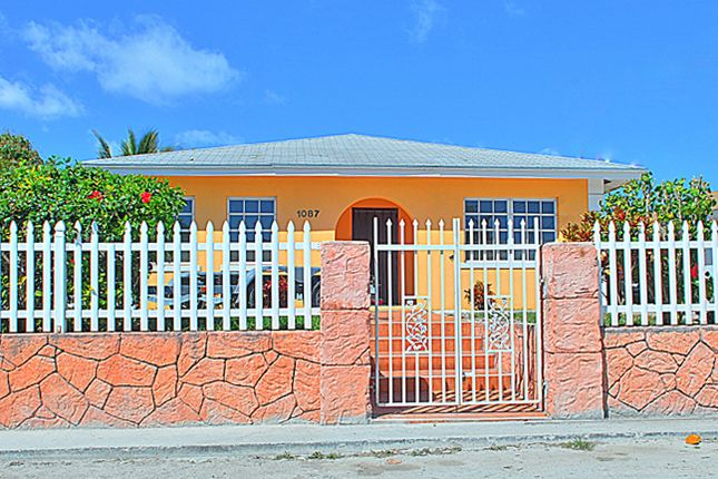 3 bed property for sale in Pinewood Drive, Nassau, The Bahamas