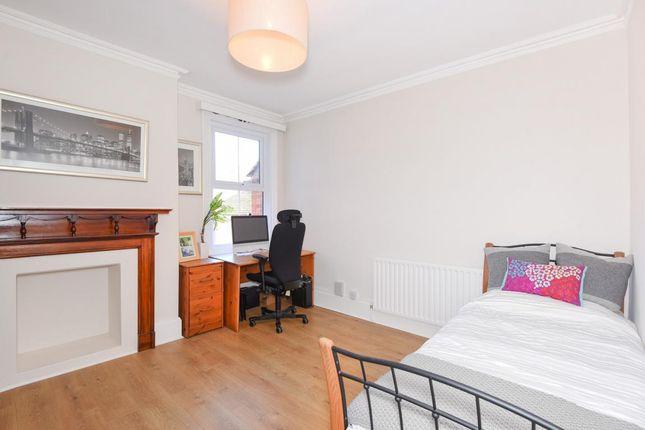 Picture 5 of Broad Street, Wokingham RG40