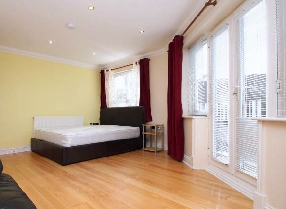 Thumbnail Flat to rent in Palmerstone Close, Reading