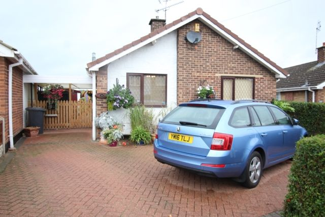 2 bed detached bungalow for sale in Hoades Avenue, Woodsetts, Worksop