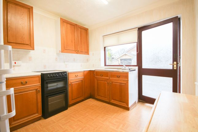 2 bed detached bungalow to rent in Arley Rise, Mellor, Blackburn BB2
