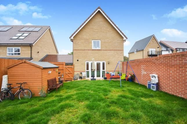 Thumbnail Link-detached house for sale in Stanford-Le-Hope, Essex
