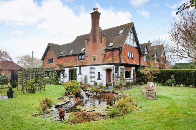 Thumbnail Property for sale in Ashurst Wood, East Grinstead