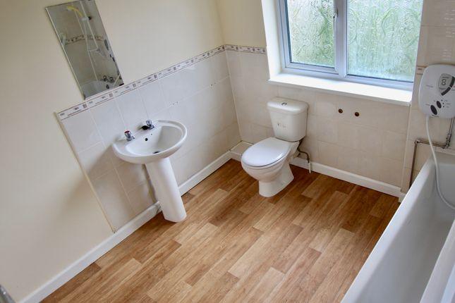 Bathroom (2) of Honiton Road, Nottingham NG8