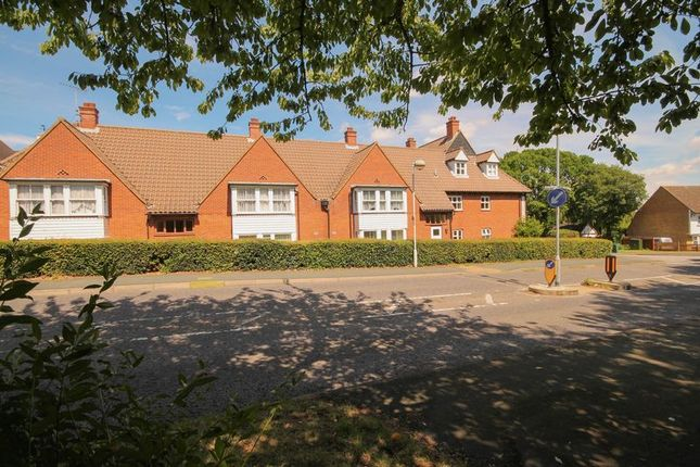 Thumbnail Property for sale in Bridgecote Lane, Laindon, Basildon