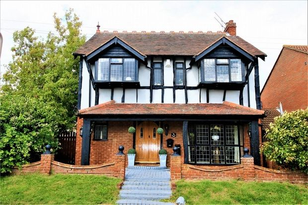 Thumbnail Detached house for sale in Waarden Road, Canvey Island, Essex