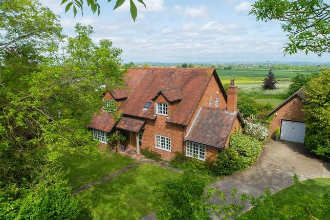 Thumbnail Detached house for sale in Ellesborough Road, Wendover, Aylesbury
