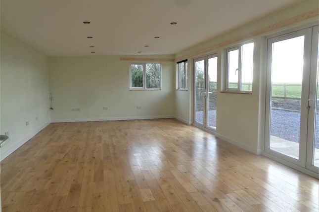 Thumbnail Bungalow to rent in Westerleigh Hill, Westerleigh, South Gloucestershire