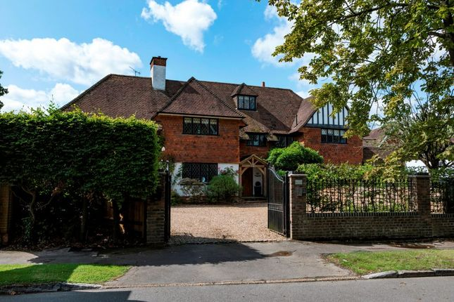 Thumbnail Semi-detached house to rent in Abbotswood, Guildford