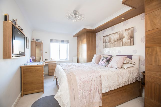 Thumbnail Flat for sale in Percy Circus, London