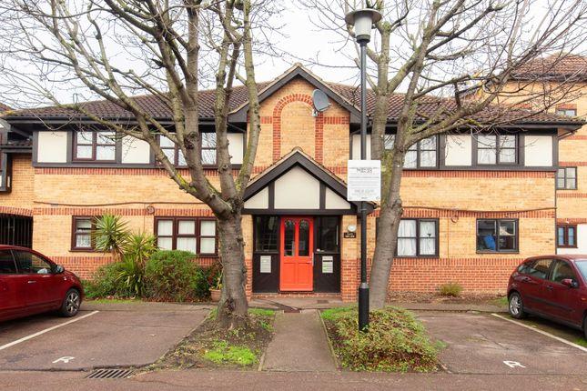 Thumbnail Flat to rent in Somerset Gardens, Creighton Road, London