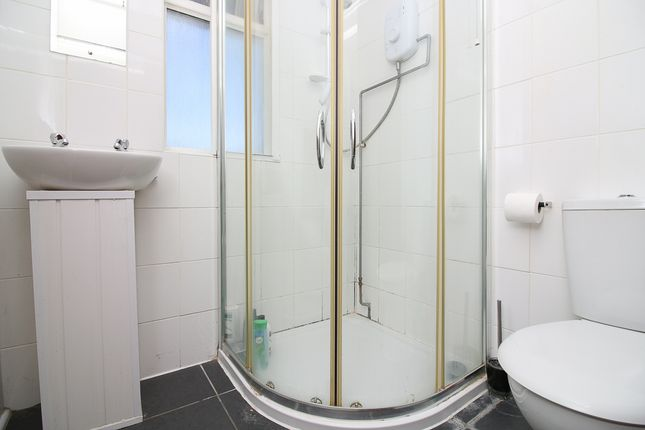 Shower Room of Halswell Road, Clevedon BS21