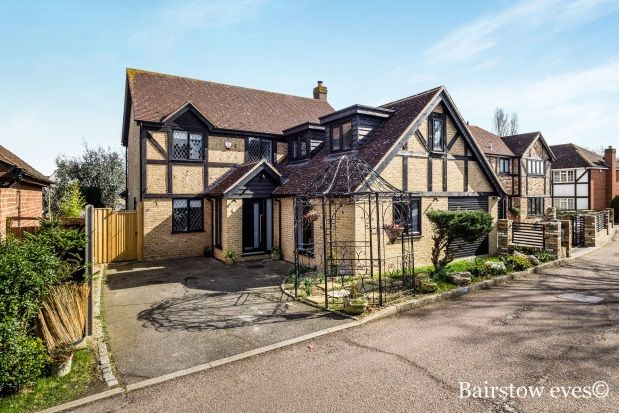 Thumbnail Property to rent in Chigwell, Essex