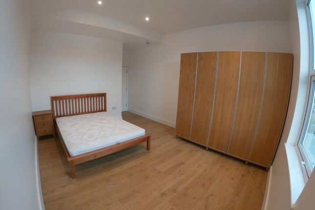 Thumbnail Shared accommodation to rent in Osborne Road, Wilsden Green