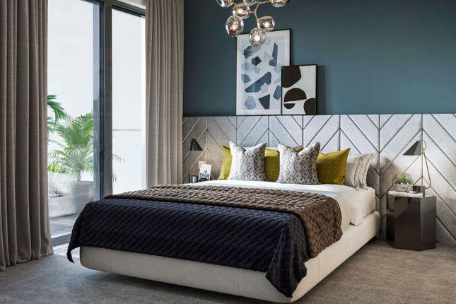 2 bedroom flat for sale in Bankside Gardens, Longwater Avenue, Green Park, Reading, Berkshire
