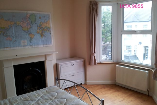 Thumbnail Terraced house to rent in St. Georges Road, London