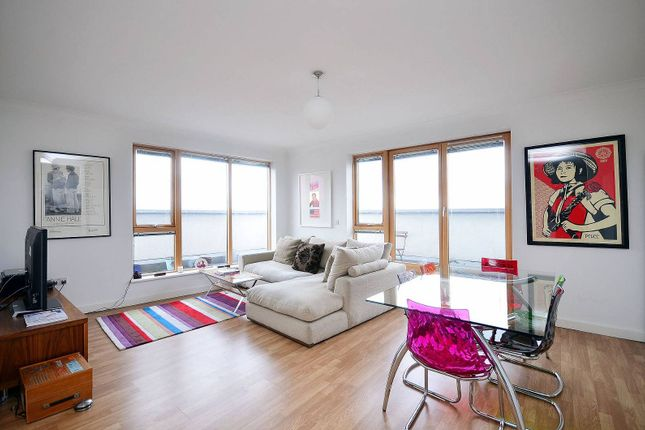 Thumbnail Flat to rent in Southgate Road, Hoxton, London