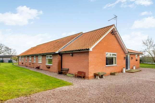 Thumbnail Detached bungalow for sale in New Lane, Newark, Nottinghamshire