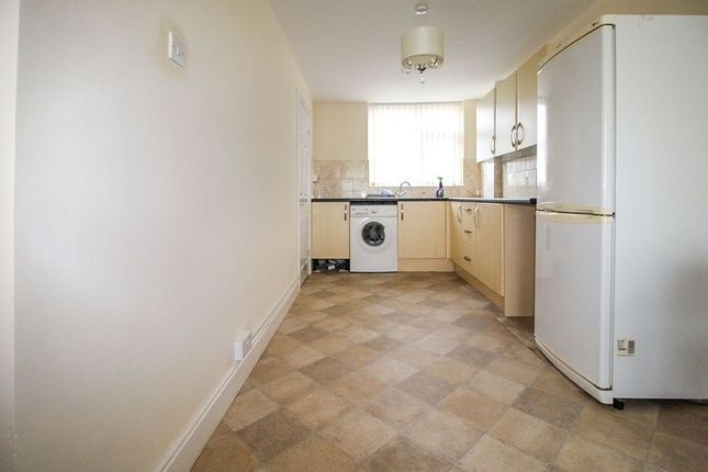 Thumbnail Flat to rent in Beaconsfield, Prescot