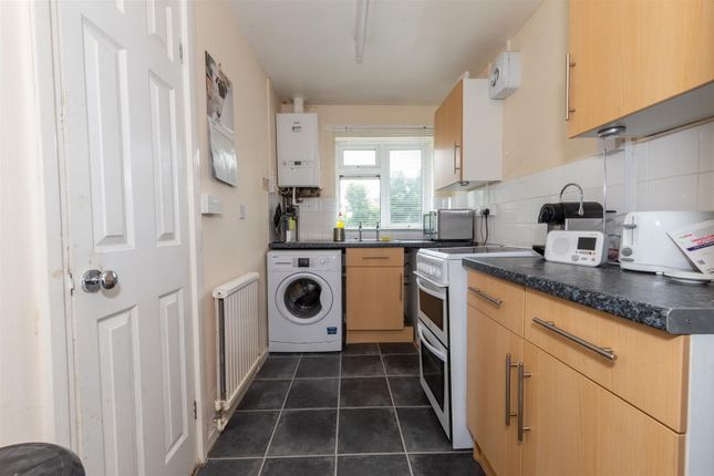 Kitchen of Haddon Road, Luton, Bedfordshire LU2