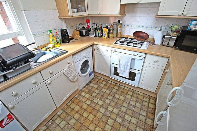 Kitchen (2) of Westgate Street, Cardiff CF10