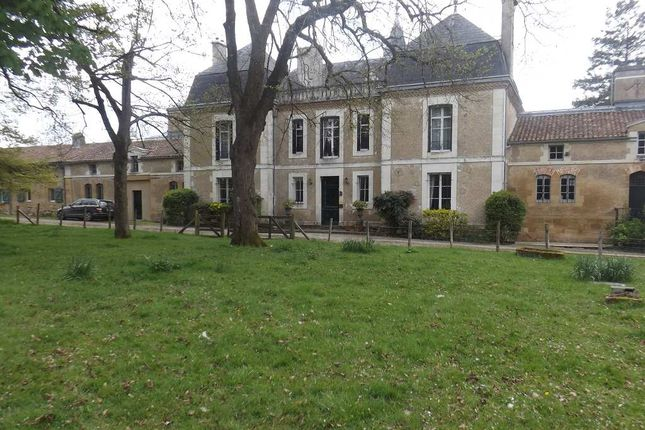 Thumbnail Detached house for sale in Poitou-Charentes, Vienne, Pressac